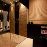 Banheiro com piso porcelanato